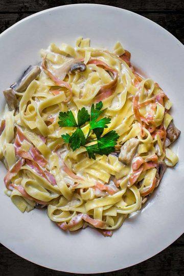 makaron carbonara, spaghetti